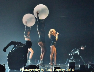 kylie Minogue kiss me once tour  photo by Tom Conway